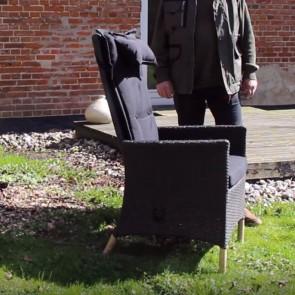 Sofia havemøbelsæt. 6 stole med eleverbar ryglæn samt firkantet bord i størrelsen 96 x 200 cm.   (6 stk 200014 + 200017)